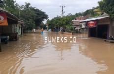 Jalan Lahat-Pagaralam-Empat Lawang Lumpuh akibat Banjir dan Longsor - JPNN.com
