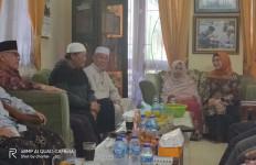 Siti Nur Azizah Bersilaturahmi dengan Ketua MUI Tangsel - JPNN.com
