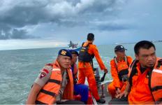 Mesin Kapal Mati, Lima Nelayan Terjebak di Tengah Laut - JPNN.com