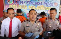 Apes, Empat Pria Ditangkap saat Sedang Mengonsumsi Narkoba - JPNN.com