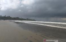 Banyak Menelan Korban Jiwa, Pantai Cijeruk Garut Akan Ditutup untuk Wisatawan - JPNN.com