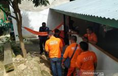 Tim Labfor Bawa Puluhan Helai Daun dari TKP Bom Tas di Bengkulu - JPNN.com