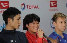 An Se Young pun Tersenyum Duduk Diapit Marcus Fernaldi dan Chou Tien Chen - JPNN.com