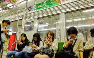 Pemerintah Jepang Berencana Batasi Pemakaian Smartphone, Ini Alasannya
