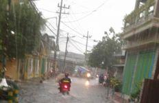 Banjir di Kota Surabaya Bisa Surut dalam 2 Jam, Begini Strateginya - JPNN.com