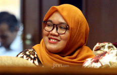 Bu Nur Honorer K2 ke Senayan, Ingin Bertemu Mbak Puan - JPNN.com