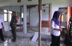 Parah! Bangunan Sekolah Negeri Baru Didirikan 2018, Sekarang Sudah Ambruk - JPNN.com