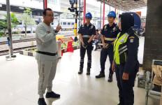 Bos KAI Lakukan Hal Ini saat Sidak di Stasiun Medan - JPNN.com