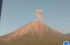 Gunung Semeru Erupsi pada Jumat Pagi - JPNN.com