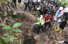 Bos Penambangan Emas Ilegal dan Bekingnya Belum Tertangkap - JPNN.com