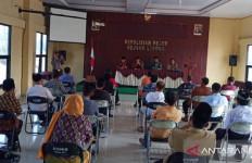 25 Kandidat Kepala Desa Ikut Tes Tertulis di Kantor Polisi - JPNN.com