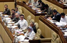 Anggota Komisi II Cornelis: Angkat Saja Honorer jadi PNS, Negara tak Akan Bangkrut - JPNN.com