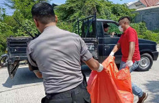 Mayat Wanita Tanpa Busana Ditemukan di Semak Belukar - JPNN.com