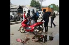 Bentrok Ormas di Bogor, Lima Motor Dibakar - JPNN.com