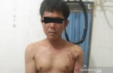 Pasangan Suami Istri Sekarat Dibacok Lantaran Buang Angin Sembarangan - JPNN.com