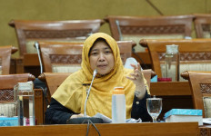 DPR Harusnya Fokus Penanganan Pandemi Covid-19, Bukan Bahas Omnibus Law - JPNN.com