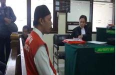 Hamili Anak Kandung, Ayah Bejat Ini Dihukum 18 Tahun Penjara - JPNN.com
