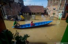 Banjir di Kabupaten Bandung Makin Parah, BPBD Kirim Enam Perahu - JPNN.com