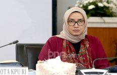 Tok Tok Tok... DKPP Pecat Evi Novida Ginting dari Komisioner KPU - JPNN.com