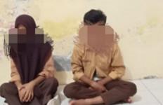 Tepergok Berbuat Terlarang di Jalan Lintas, Pasangan Pelajar SMP Ini Langsung Diamankan - JPNN.com