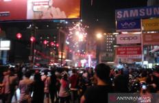 Warga Memadati Jalan Gajah Mada di Malam Tahun Baru Imlek - JPNN.com