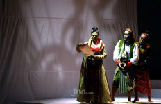 Ine Tak Sabar Tampil di Teater Panembahan Reso - JPNN.com