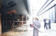 KRI Hasanuddin Melakukan Perawatan Kapal di Turki - JPNN.com