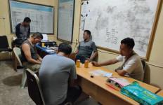 Dua Anggota Satpol PP Bikin Malu Institusinya - JPNN.com