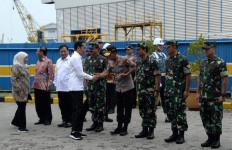 Kasal Mendampingi Presiden Tinjau Kapal Selam Buatan Dalam Negeri - JPNN.com