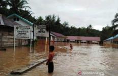 Sekolah Terendam Banjir, Ratusan Murid SDN 1 Angkola Diliburkan - JPNN.com