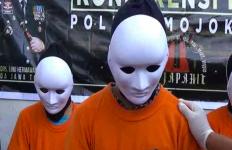 Komplotan Remaja Ini Sudah 9 Kali Mencuri di Panti Asuhan, Tunggu Karmanya - JPNN.com