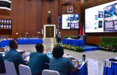 Peserta Rapim TNI AL Terima Paparan Dari Pejabat Utama Mabesal - JPNN.com
