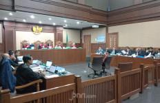 Saksi Menyebut Istri Rano Karno Terima Fee Rp 150 Juta - JPNN.com