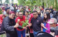 Hijaukan Jawa Barat, Ridwan Kamil Adopsi Jawara PDIP - JPNN.com