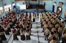 78 Pelajar SMP Albanna Ikut Pelatihan Bela Negara - JPNN.com