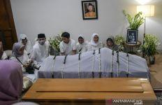 Hidayat Mengaku Melihat Jenazah Gus Sholah Tersenyum - JPNN.com