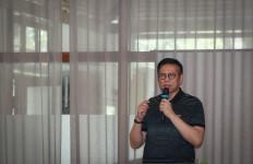 Pak Mulyadi Beri Bantuan Tenaga Medis Covid-19 di Perbatasan Sumbar-Sumut - JPNN.com