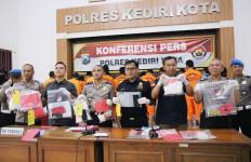 Bea Cukai dan Polres Kediri Kota Amankan Ratusan Butir Psikotropika - JPNN.com