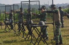 Personel Lanal Semarang Tingkatkan Kemahiran Menembak - JPNN.com