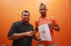 Striker asal Brasil Vanderlei Fransisco Gabung, Persiraja Kian Menakutkan - JPNN.com