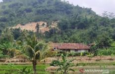 Aktivitas Tambang Batu Mengancam Rumah Warga - JPNN.com