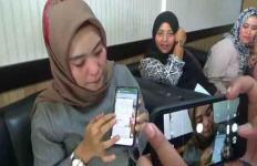 Para Ibu Muda Mengamuk Tertipu Arisan Online Hingga Ratusan Juta - JPNN.com