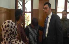 Gadis 19 Tahun Mengajukan Permohonan Ganti Kelamin di Pengadilan Negeri - JPNN.com