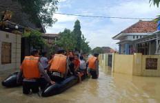 625 Rumah di Kabupaten Cirebon Terendam Banjir - JPNN.com
