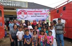 Bantu Korban Bencana, Relawan Jokowi Fokus Kegiatan Kemanusiaan - JPNN.com