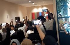 Kongres PAN Ricuh, Saling Lempar Kursi di Depan Zulhas dan Amien Rais - JPNN.com