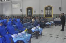 Personel Lanal Tegal Mengikuti Sosialisasi Penyuluhan Kesehatan - JPNN.com