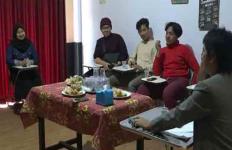 23 Mahasiswa asal Banyuwangi Memilih Pulang dari China dengan Biaya Sendiri - JPNN.com