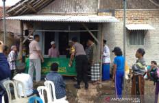 Innalillahi, Balita di Cirebon Meninggal Digigit Ular Weling - JPNN.com