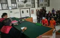 Jalani Sidang Perdana, Dua Terdakwa Pembunuhan PNS Kementerian PUPR Terancam Hukuman Mati - JPNN.com
